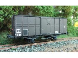 K240  Wagon couvert métallique