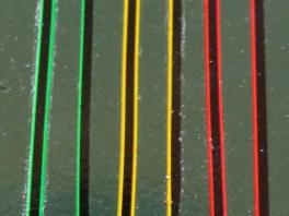 Decalcs filets à rechampis noirs vert/rouge/jaune